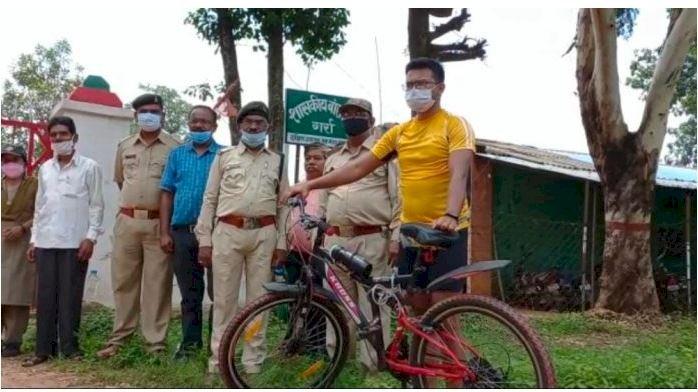 छिंदवाड़ा से 170 किमी सायकिलिंग कर प्रभार लेने बालाघाट पहुंचे प्रशिक्षु सहायक वन संरक्षक